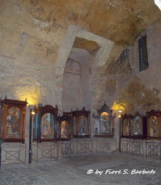 Изображение Teatro Greco-Romano. italy teatro campania romano napoli greco neapolis