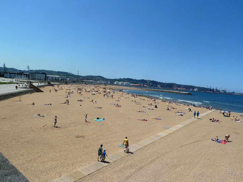 Playa de Poniente 的形象. beach spain gijón asturias playa 19dejunio1