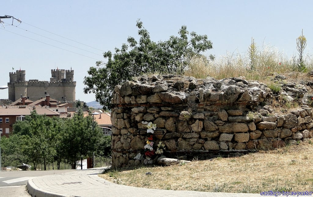 Bild av Castillo Nuevo de Manzanares El Real. madrid españa castle spain medieval ruina ruinas espagne middleages castillo chateaux ruined manzanareselreal comunidaddemadrid