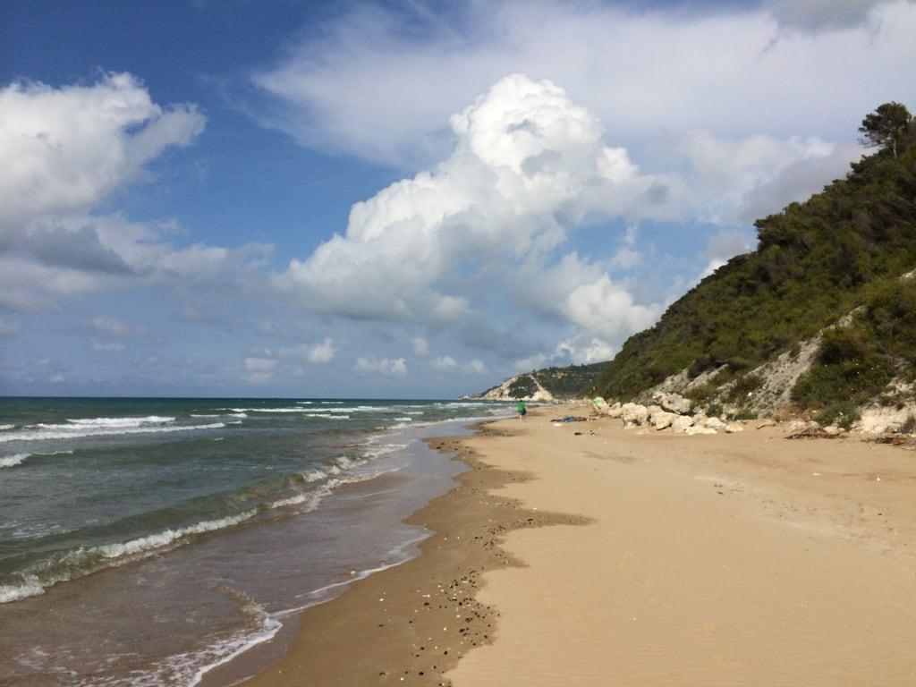 Spiaggia dei Cento scalini o delle Tufare 的形象. photostream