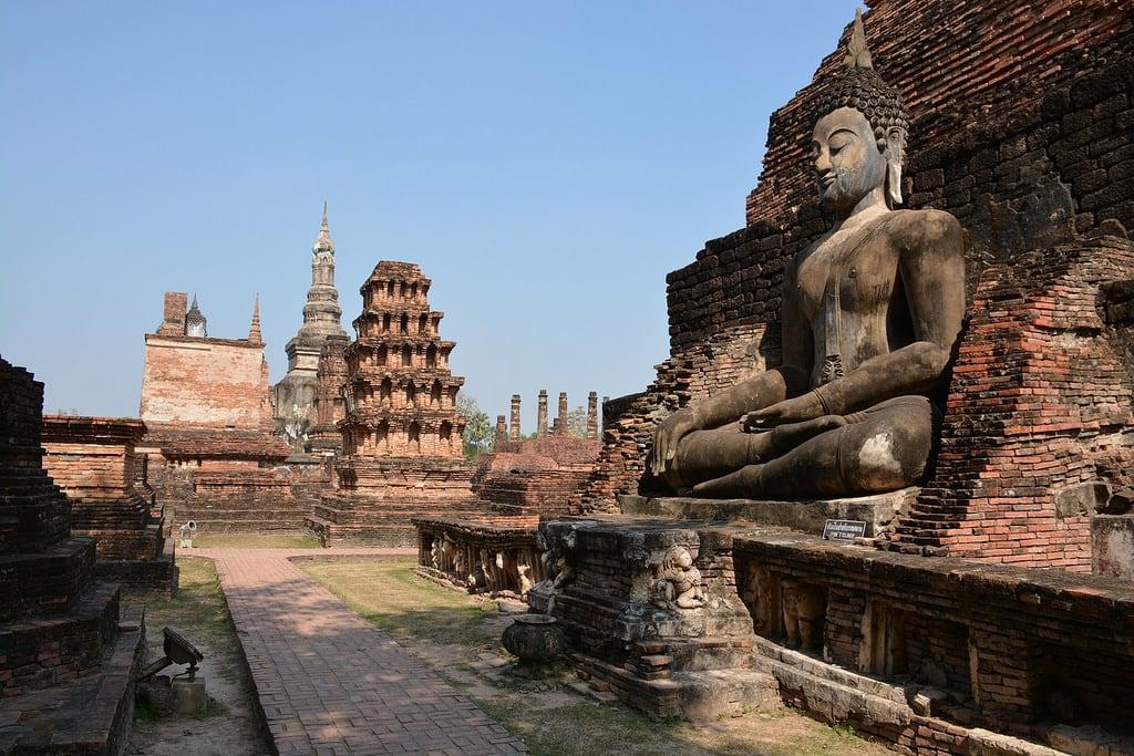 Image of Wat Mahathat near Ban Na. travel nature thailand bangkok culture buddhism temples chiangmai krabi lanna tempel sukhothai lampang kolanta ayutthaya reizen 2014 arps paularps afsdxnikkor18140mm