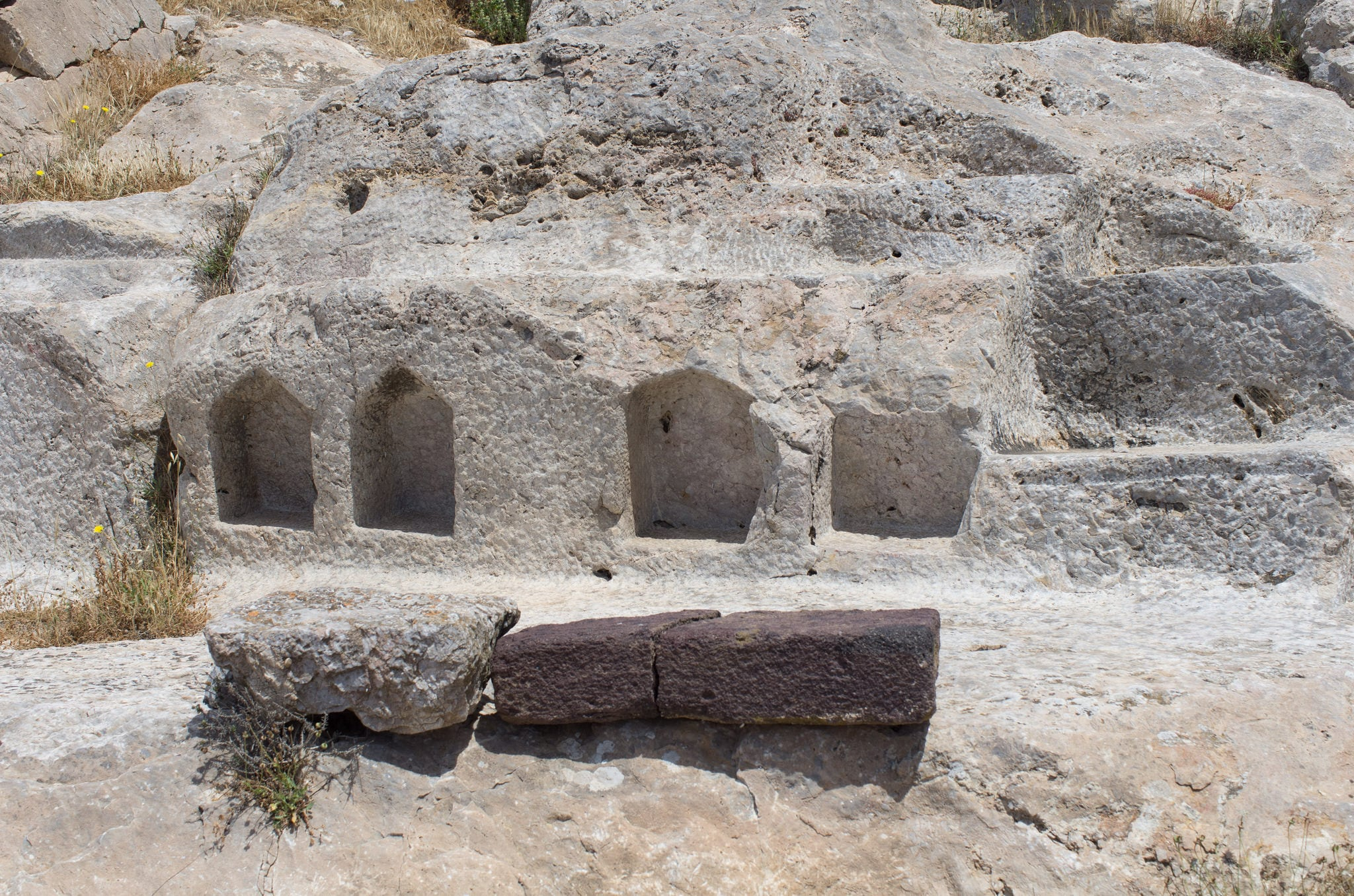 תמונה של Ancient Thera ליד Emporeío. gr griechenland ancientthera messavouno