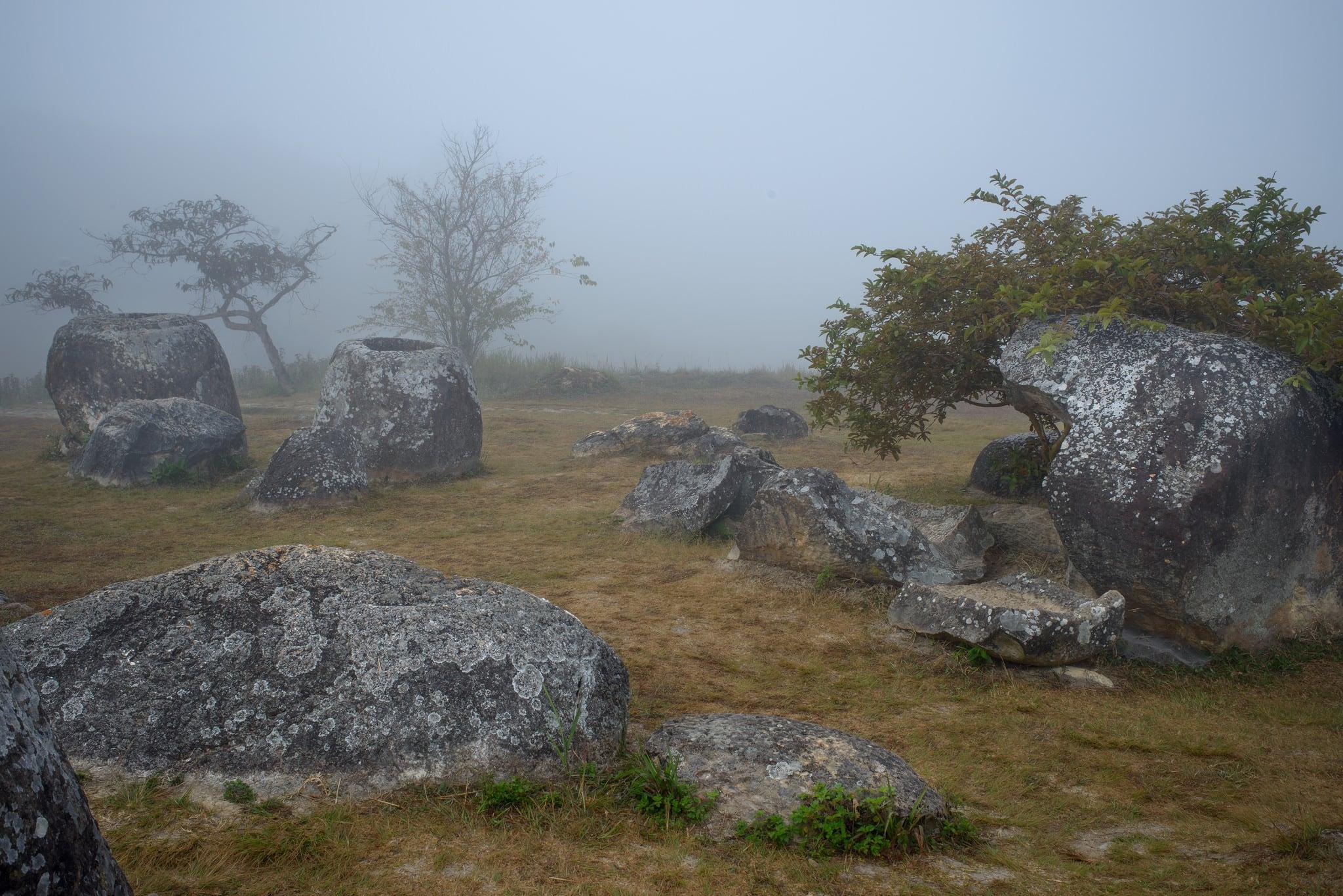 Image of Plain of Jars Site 1. la laos ラオス plainofjarssite1 xiengkhuan ジャール平原 ポーンサワン シエンクワーン シェンクワン