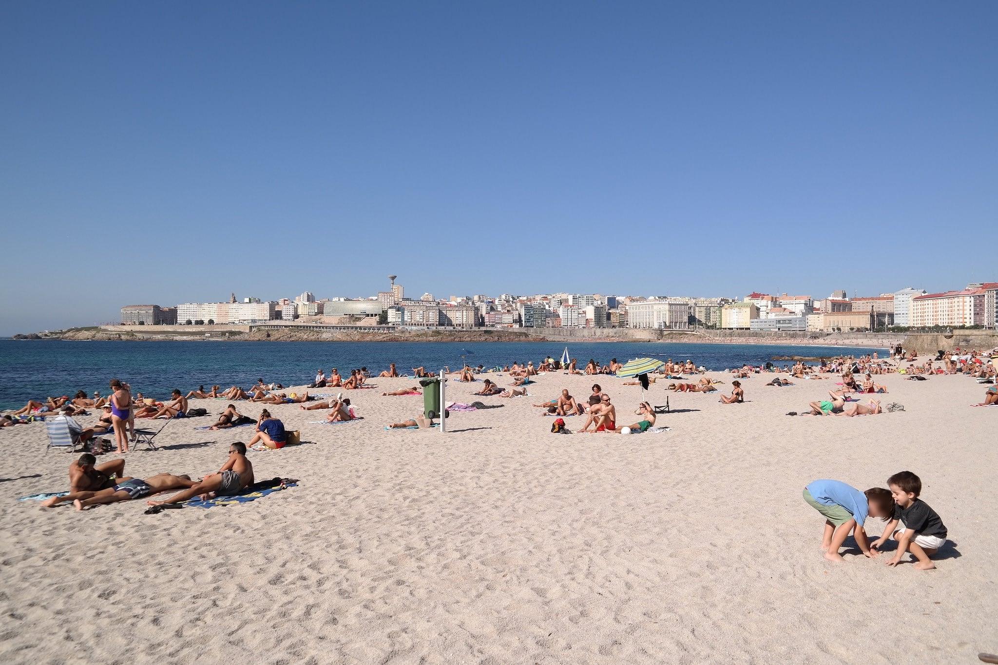 Εικόνα από Praia de Riazor Riazor Beach. coruña verano vacaciones 2015