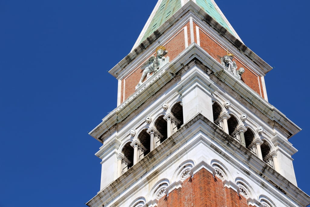 Bild av St Mark's Campanile. venezia venise venice benátky venedig venecia venetië wenecja veneza veneto vénétie benátsko venetien véneto wenecjaeuganejska vêneto itálie italien italia italië włochy itália august2017 architecture italy italie