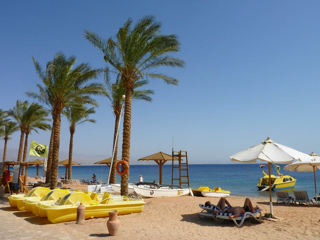 Image of Beach Movenpick Beach with a length of 351 meters.