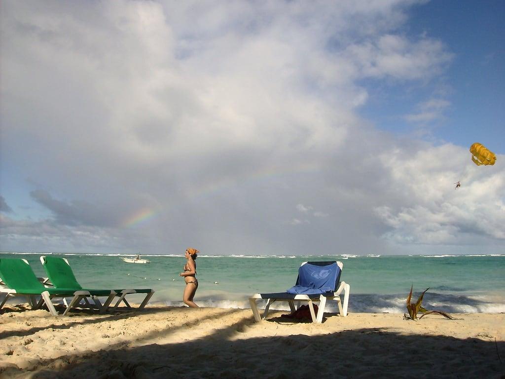 Image de Gabi Beach Plage d'une longueur de 785 mètres. meer urlaub punta freunde puntacana atlantik palmen karibik islasaona domrep dominikanischerebublik sonnesand