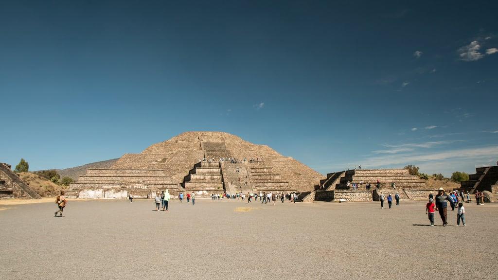 תמונה של Teotihuacán ליד Ampliación San Francisco. 2017 winter mexico mexicocity teotihuacan pyramidofthemoon january mexique estadosunidosmexicanos mexiko 墨西哥 pyramides pyramid