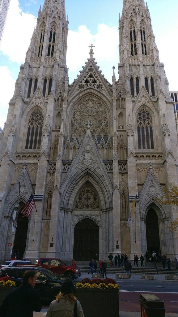 Attēls no St. Patrick's Cathedral.