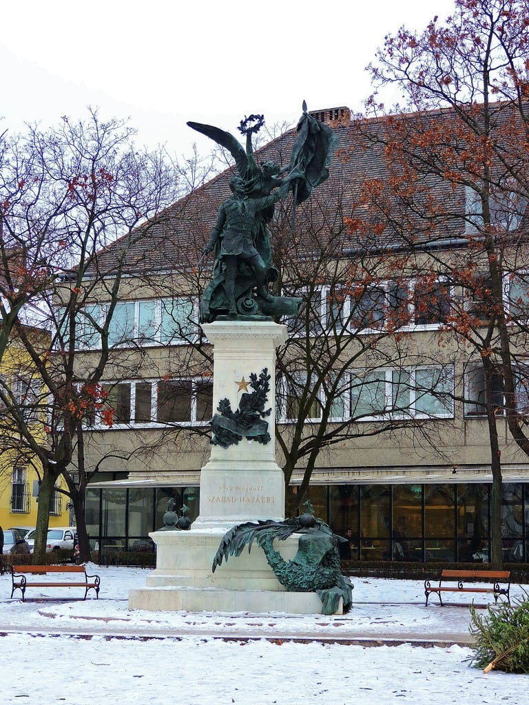 Image de Honvéd-szobor. budapest ブダペスト βουδαπέστη sculpture statue