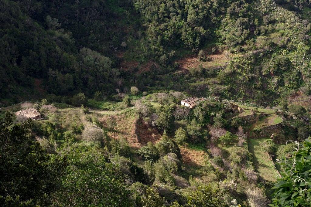 Image de Los Morales. hiking canarias era tenerife senderismo lalaguna anaga etnografía bancales parquerural viviendatradicional espacionaturalprotegido unidadambientaljaralesyescobonales