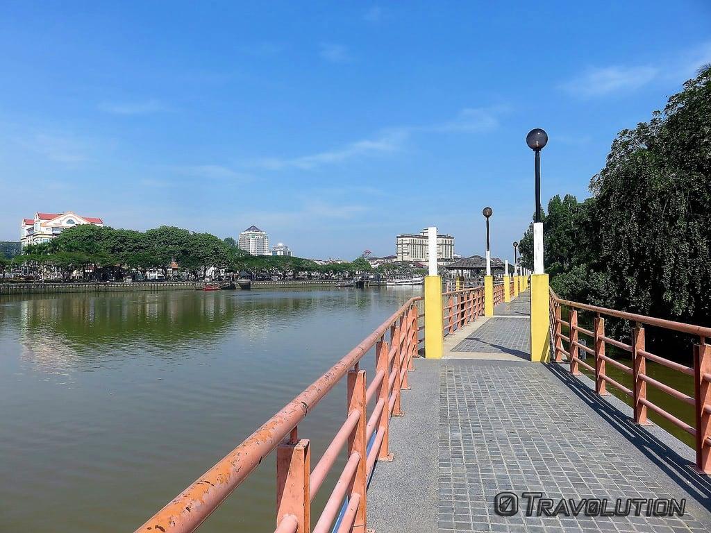 Εικόνα από Kuching Waterfront. malaysia sarawak kuching riverwalk borneo waterfront city