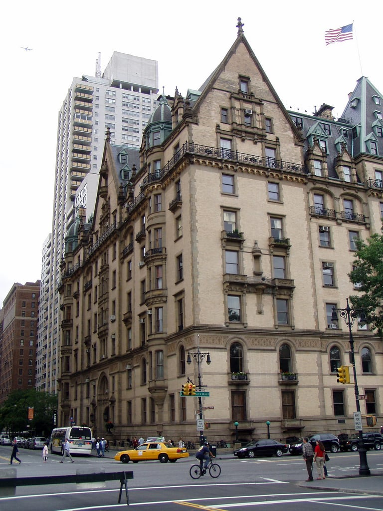 Kuva The Dakota. building architecture johnlennon dakota nyc centralparkwest newyork urban city