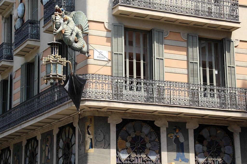 Εικόνα από Casa Bruno Cuadros. barcelona barcelone barcellona catalunya cataluña catalonia catalogne katalánsko catalonien katalonien catalogna catalonië katalonia catalunha espagne spain španělsko spanien españa spagna spanje spania hiszpania espanha june2017 architecture