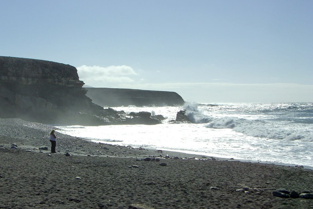 صورة Playa de Ajuy شاطئ بطول 306 متر. ajuy fuerteventura playa beach