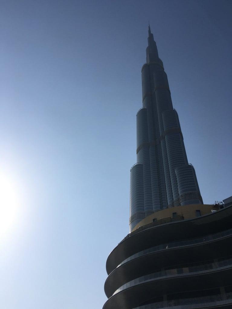 Bild von Dubai Fountain. dubai united arab emirates burj khalifa the mall fountain marsa downtown