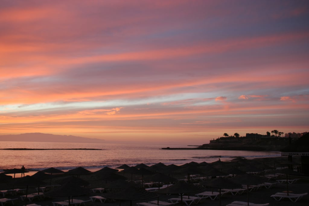 Image de Playa de Fañabe près de Playa de las Américas. tenerife sunset fanabebeach beach canaryislands sea pink shoreline wonderful evening hisgett ubuntu canary islands spain