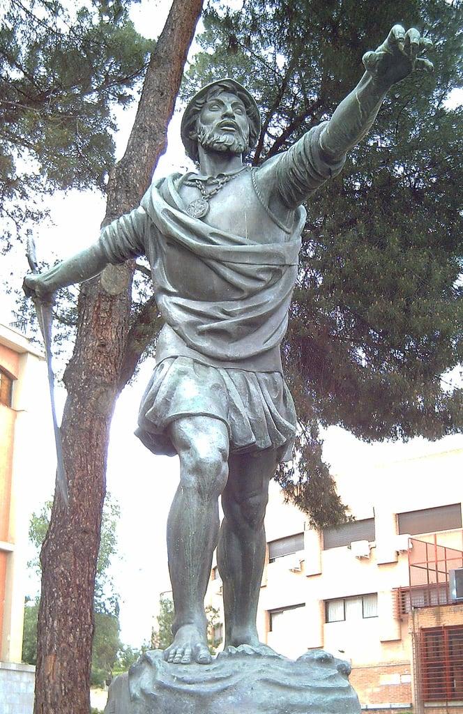 Изображение Vasco Núñez de Balboa. madrid españa bronze spain europa europe esculturas statues estatuas sculptures conquistadores bronce sculpturesinmadrid vasconúñezdebalboa enriquepérezcomendador