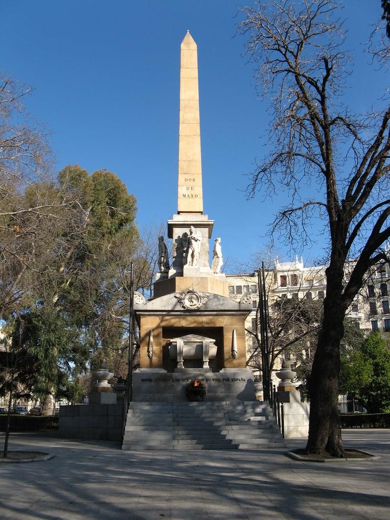 Bild av Monumento a los Caídos por España. madrid españa canon spain monumento escultura 2010 dosdemayo comunidaddemadrid paseodelprado ccby canonpowershota700 14022010 febrerode2010 monumentoaloscaídoseldosdemayo