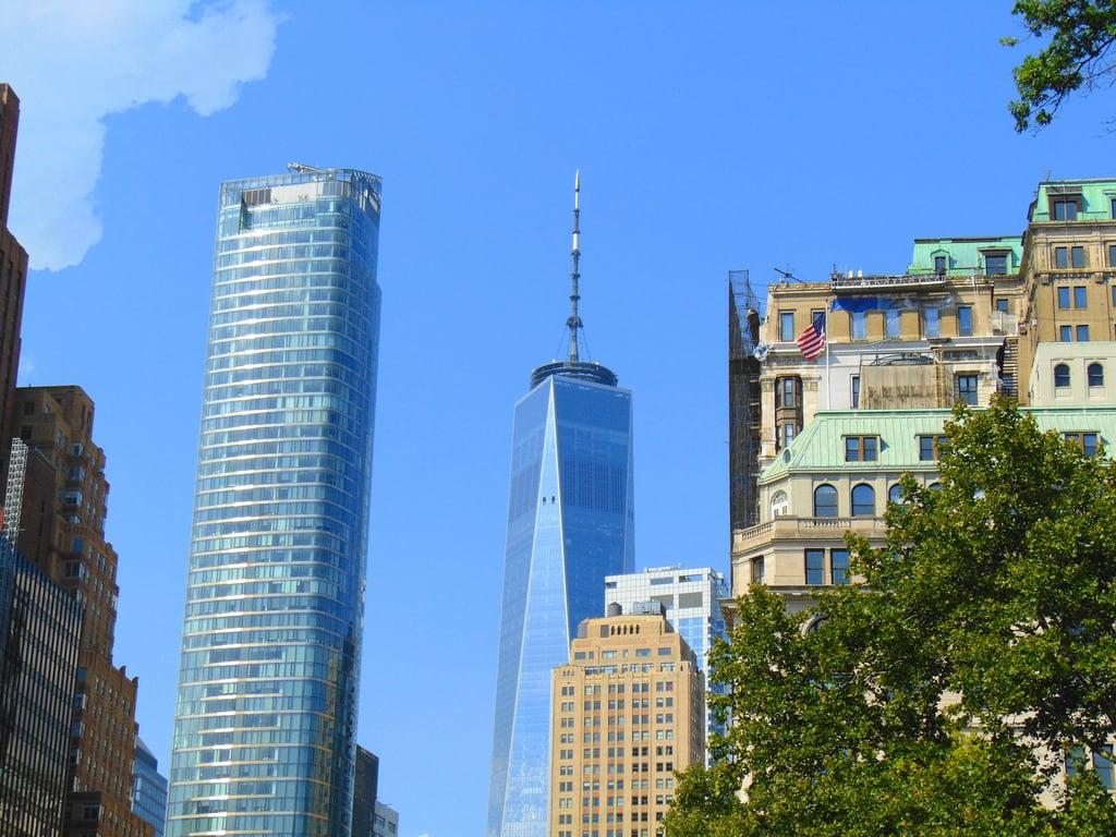 Attēls no World Financial Center. financial district lower manhattan new york city neighborhood one world trade center