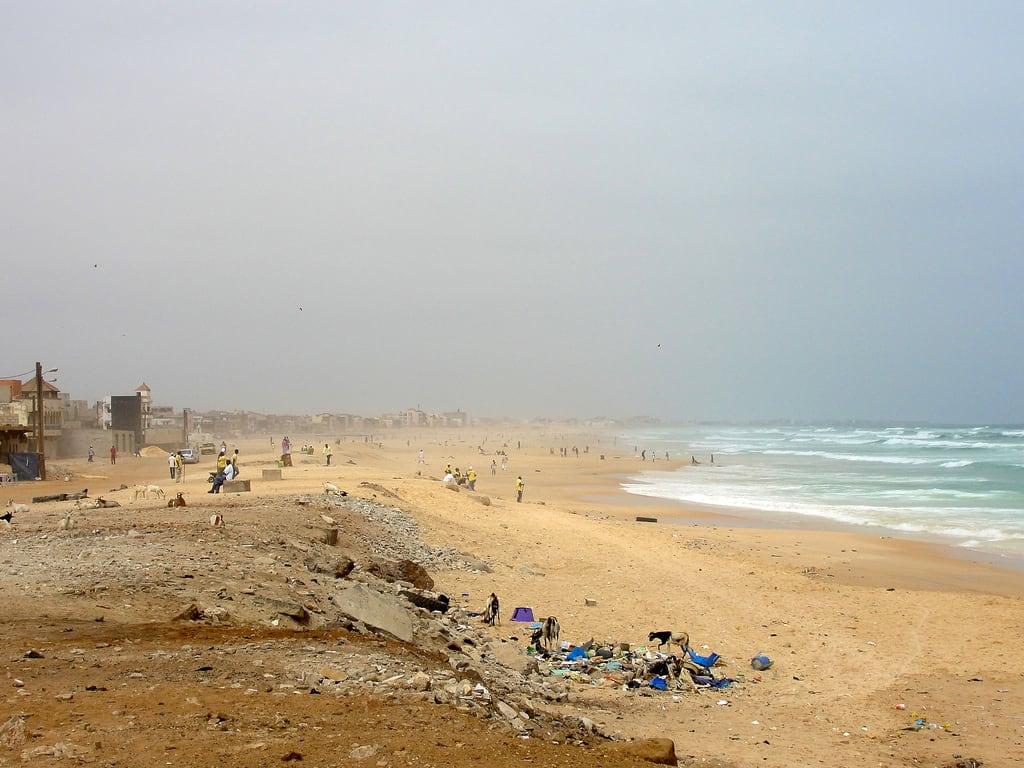 海滩与 6191 米的长度 的形象. ocean africa sea beach sign atlantic westafrica senegal dakar afrique sénégal
