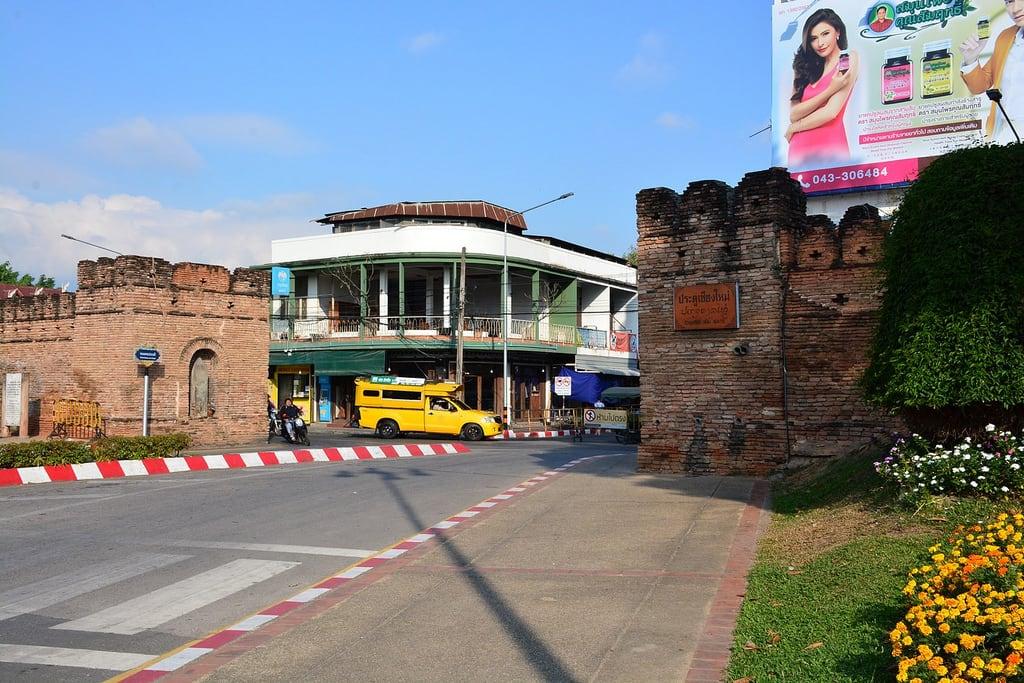Зображення Chiangmai Gate. arps paularps thailand travel reizen azië asia buddha wat temple culture nature food backpack bangkok chiangmai chiangrai island sunset boeddhist 2018 nikond7100 temples natuur cultuur