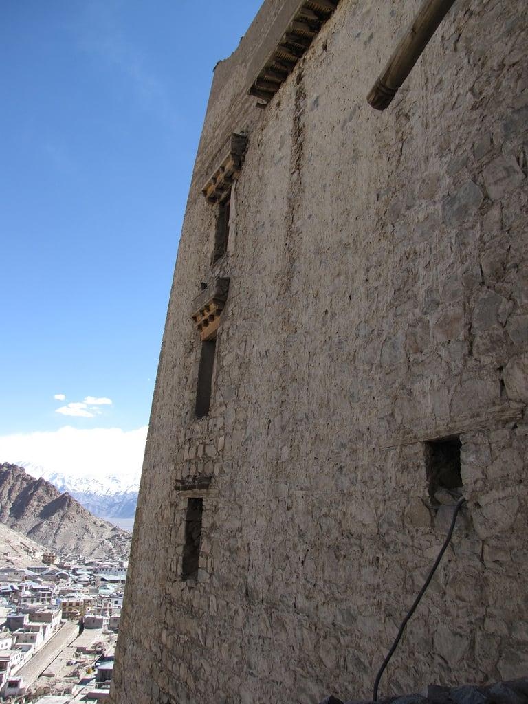 Billede af Leh Palace. palace leh ladakh