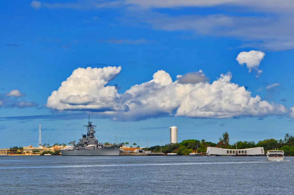 Image de Submarine Memorial près de 'Aiea. vacation hawaii harbor memorial ship oahu tourist submarine pearl wartime