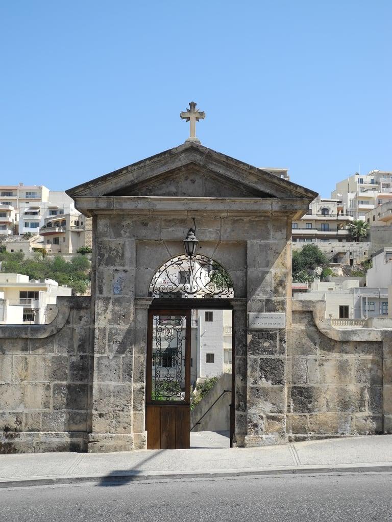 Immagine di Our Lady of the Grotto. malta mellieħa
