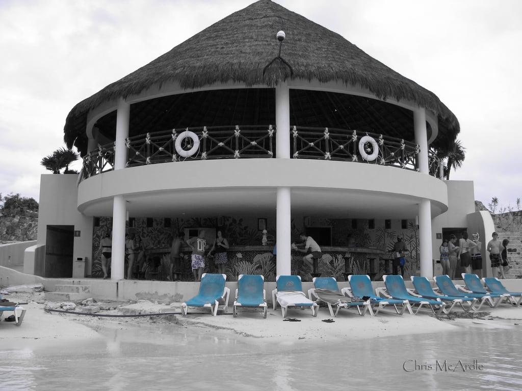 תמונה של Beach. ocean vacation people building beach water bar clouds mexico sand holidays playa lagoon drinks playadecarmen