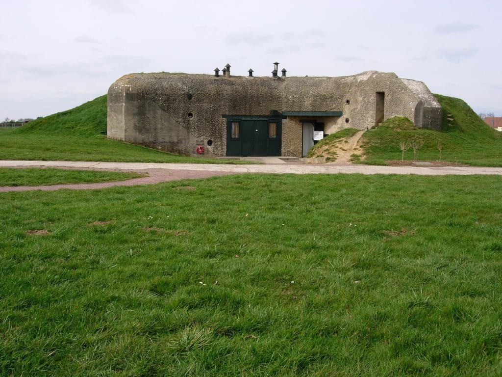 Bild von Artilleriebatterie bei Merville. france war gun wwii battery battle bunker overlord ww2 normandie battlefield airborne normandy dday merville worldwar2 commando worldwartwo atlanticwall landings redberets