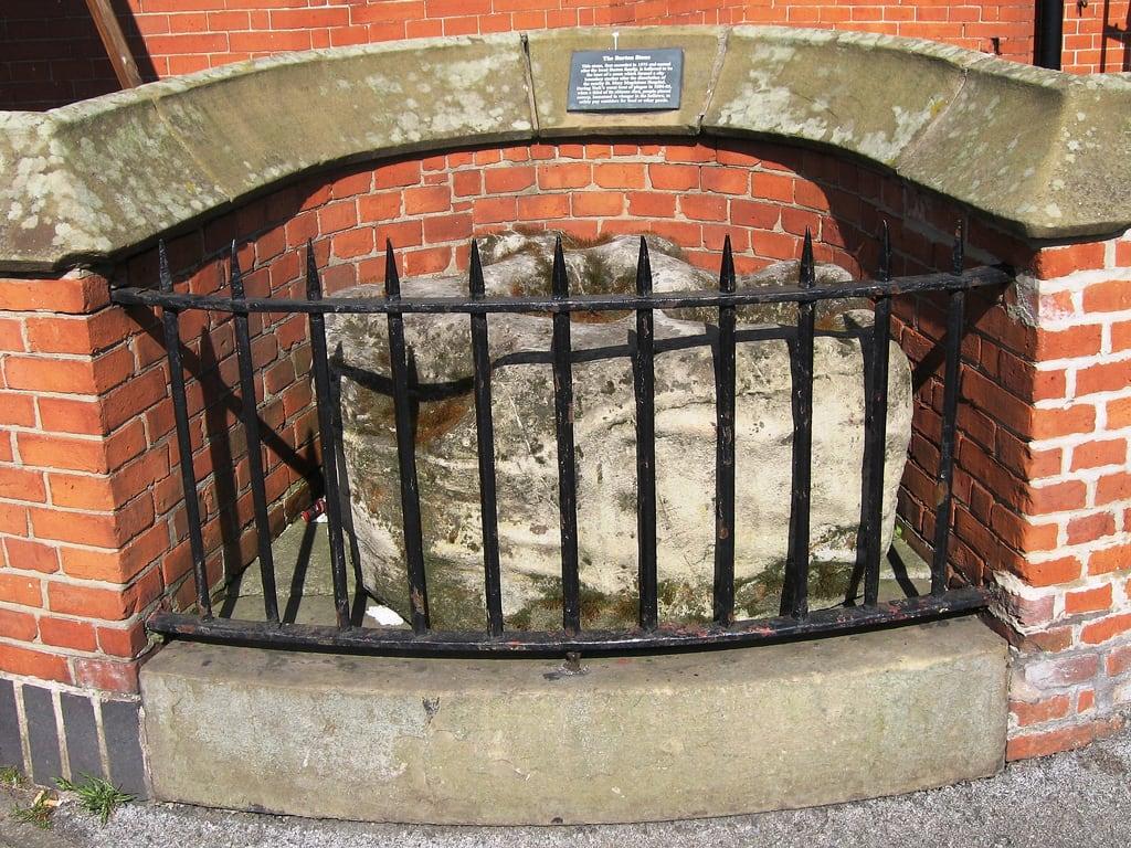 Bild von Burton Stone. plaque