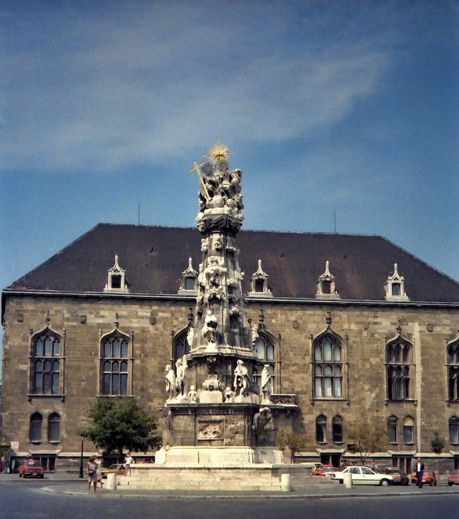 Image de Holy Trinity statue.