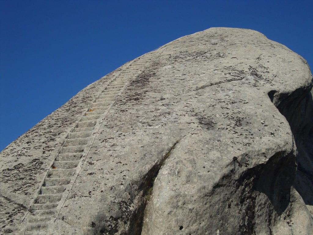 Volo dell'Angelo の画像. italy castle rock stairs italia fort basilicata potenza scala roccia castello fortezza lucania castelmezzano normanni volodellangelo