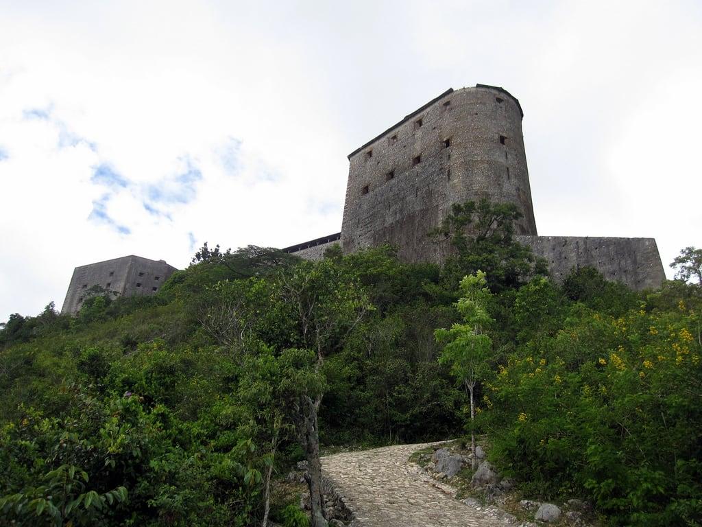 Image of Citadelle La Ferrière. haiti unescoworldheritagesite sanssouci hispaniola caphaitien milot caphaïtien henrichristophe lacitadelldelaferrière lacitadellelaferriere
