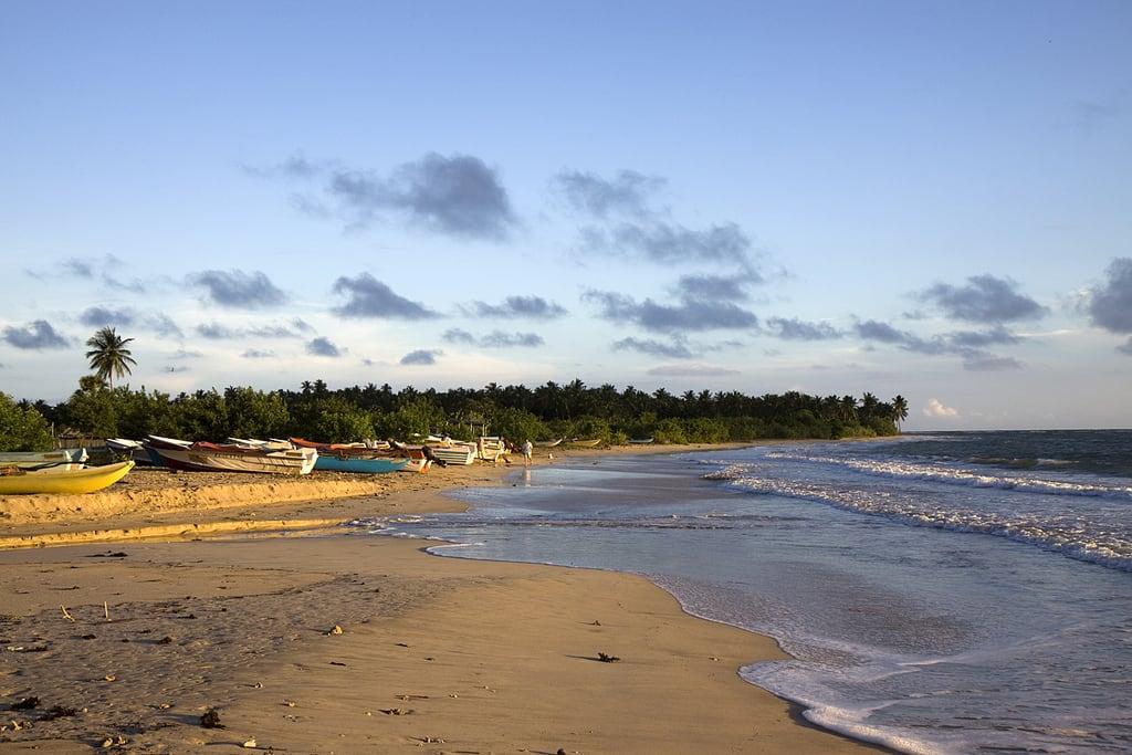 Image of Passekudah Bay Beach with a length of 2354 meters. sea srilanka passekudah