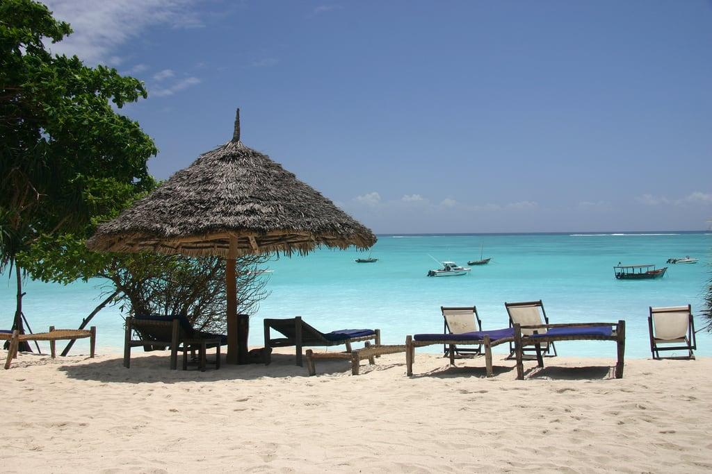 Bilde av Nungwi Beach Stranden med en lengde på 2210 meter. vacation tanzania honeymoon day pwpartlycloudy