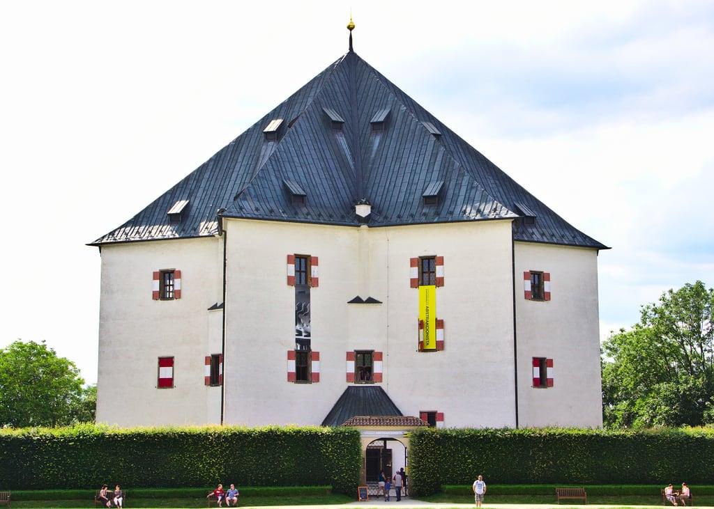 Image of Letohrádek Hvězda. park summer canon star czech prague reserve palace villa obora hvězda vypich canoneos60d canonefs18135mmf3556is