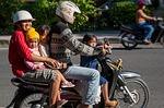 Zdjęcie:   Indonezja  Bali  Kuta  (bali, ruch, rodzina rower)